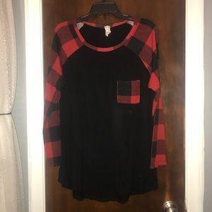 Red & Black plaid top 🖤❤️🖤❤️🖤